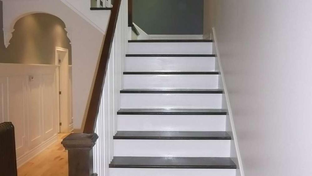 avantages peinture escalier