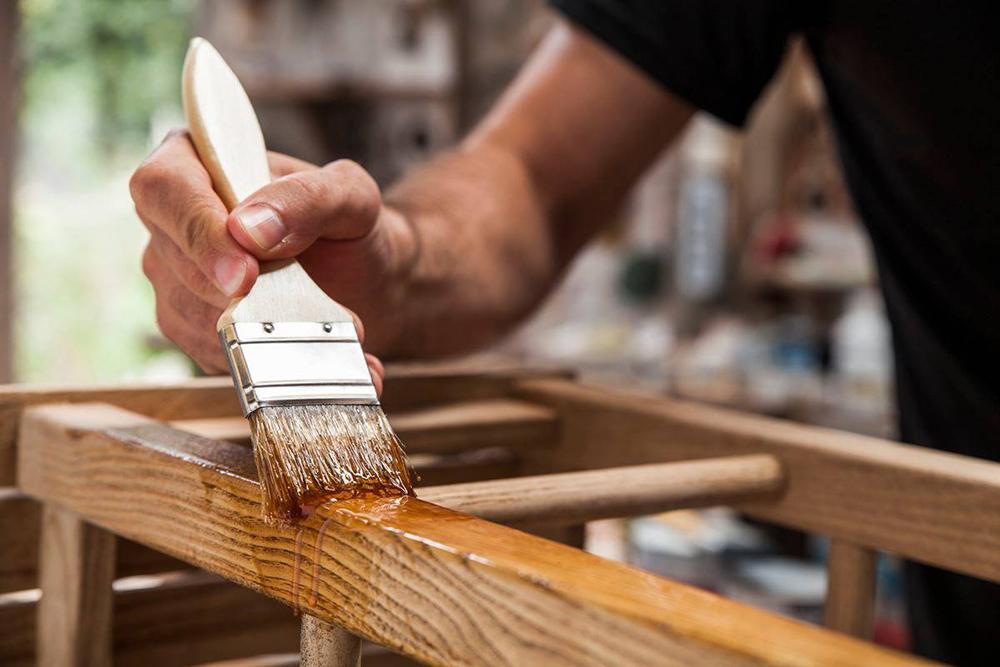 huile meuble en bois
