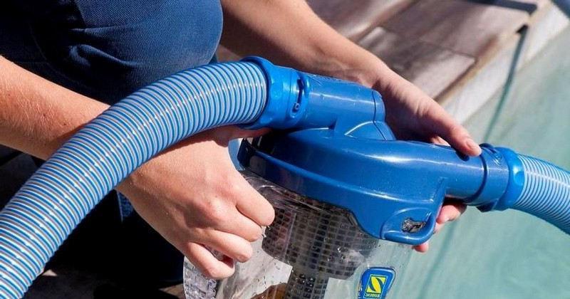 Comment nettoyer une piscine sans aspirateur