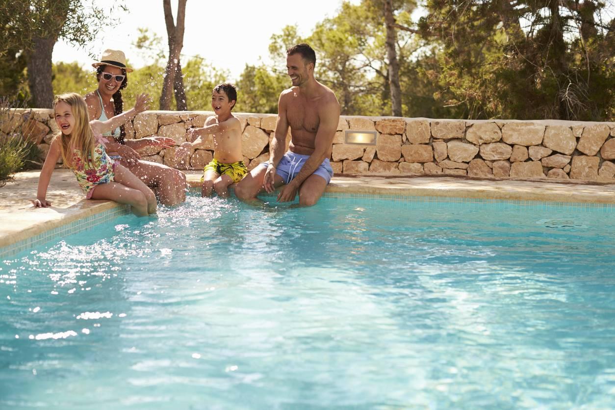 piscine, les solutions pour prolonger la baignade