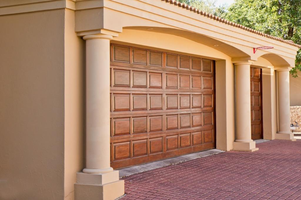 porte de garage farbriqué sur mesure