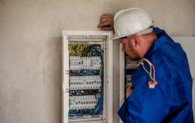 services des électriciens