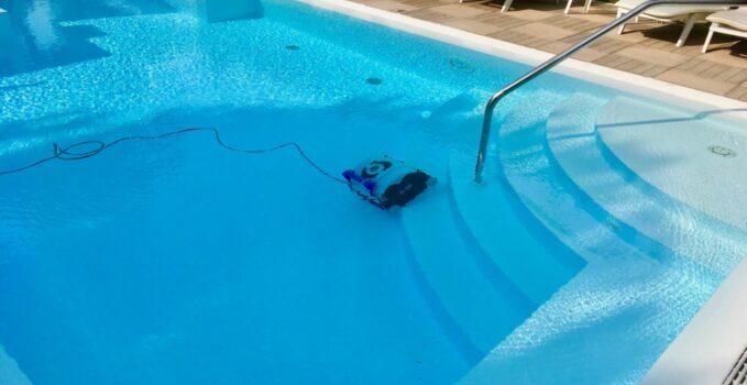 type robot piscine